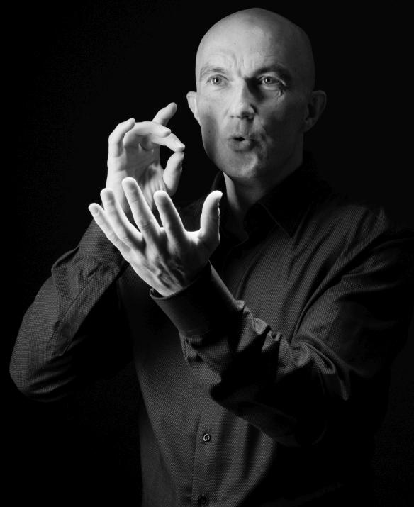 Portrait Obertonsänger Miroslav Grosser
